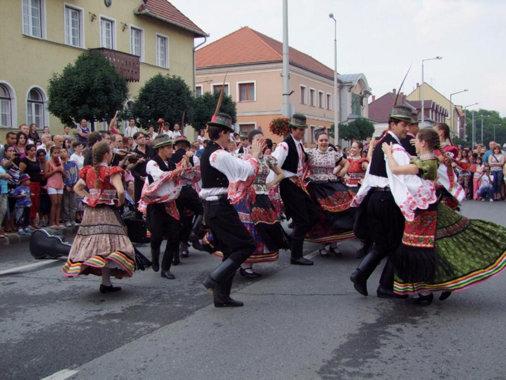 folklor_fesztival-2012