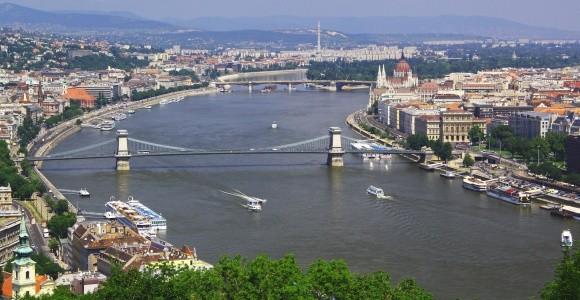1. Hétfő: Budapest